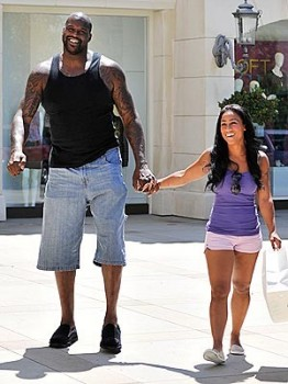 Ten reasons to choose a short girlfriend